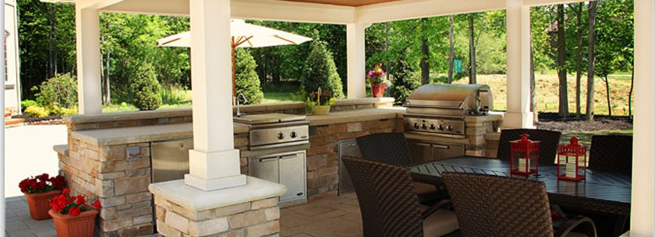 An outdoor kitchen